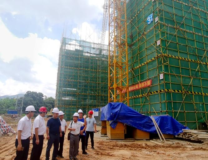 市住建局到棚户区改造工程现场督导项目建设进度2.jpg