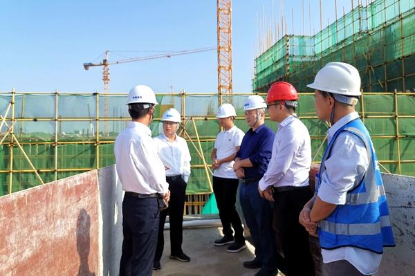 曹万里率队到滨海新区、电白区督导棚户区改造和博贺水质净化厂等项目建设2.jpg